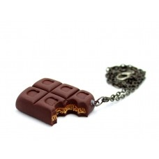 Isırılmış Çikolata Kolye